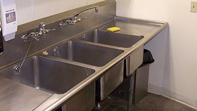 Samish Day Lodge Sinks