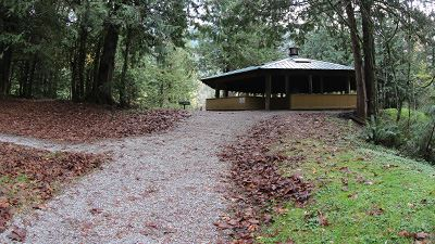 Silver Lake Maple Creek Picnic Shelter Path